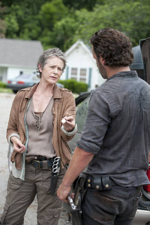 Melissa McBride's 4 Best Scenes As Carol on The Walking Dead Season 4