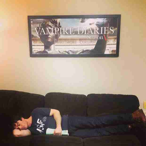 Ian Somerhalder Celebrates the End of Vampire Diaries Season 5 With a Nap (PHOTO)