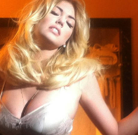 Kate Upton Denis Saying She Hates Her Large Breasts (VIDEO)