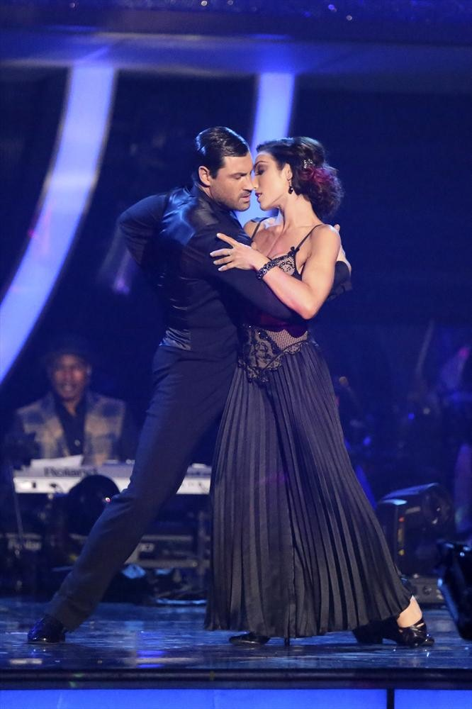 Dancing With the Stars 2014: Meryl Davis and Maksim Chmerkovskiy's Week 7 Salsa (VIDEO)