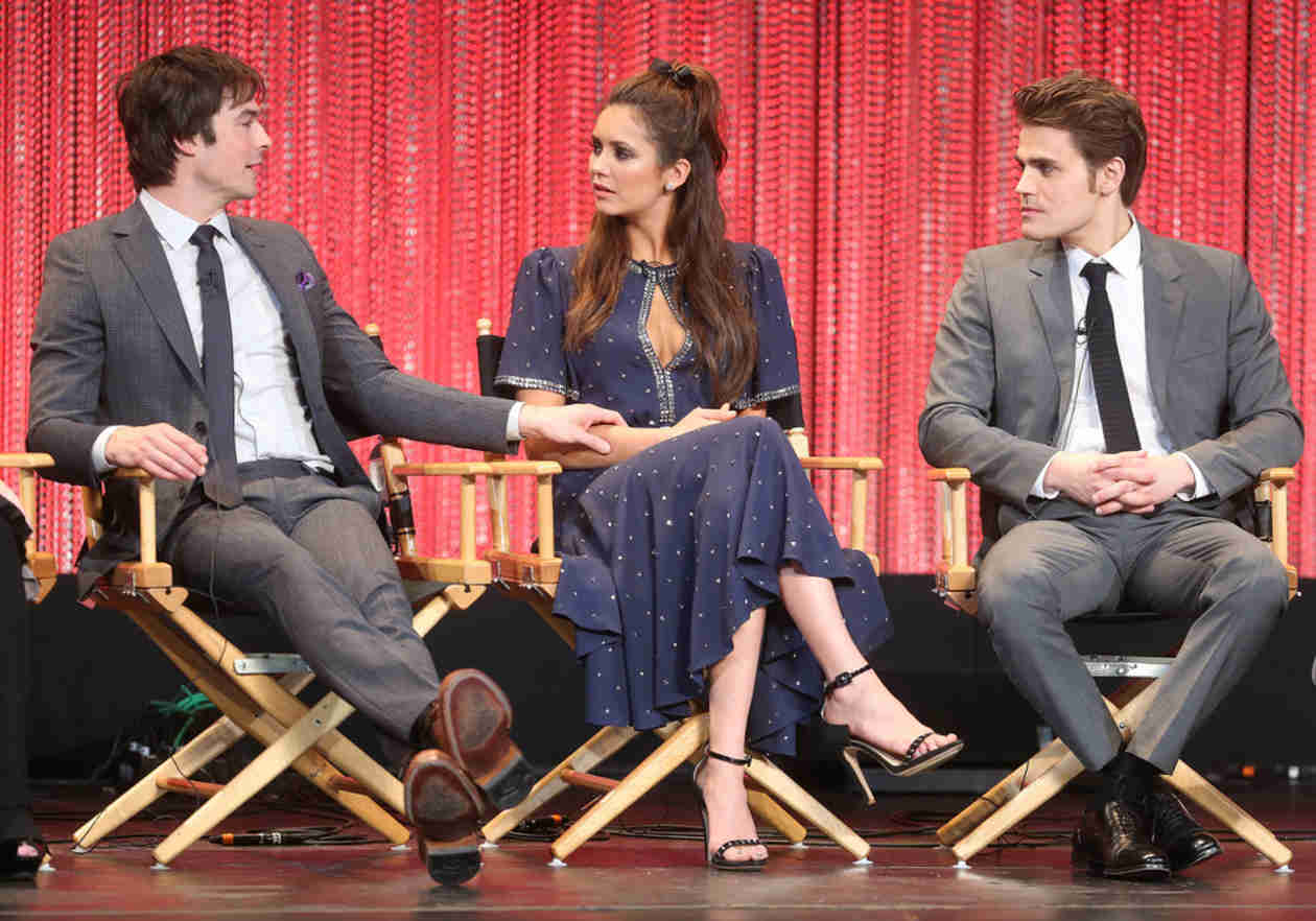 The Vampire Diaries Cast Reveals the Secret to the Perfect First Kiss (VIDEO)