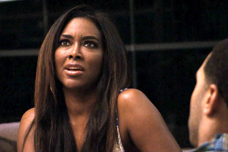 Kenya Moore Getting Attacked by Brandi Glanville on Celebrity Apprentice Set — Report