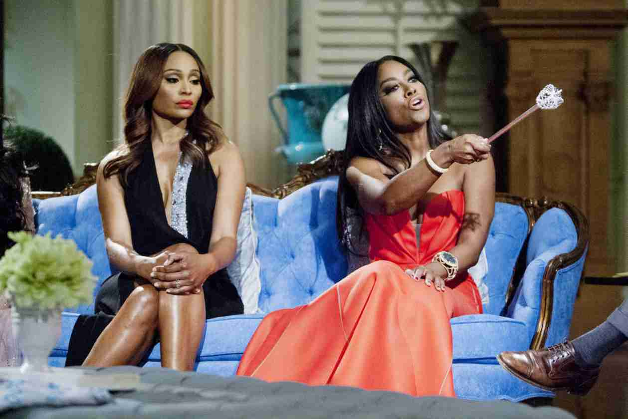 "Kenya Moore Calls Out Phaedra Parks For Being ""Dirty"" About Velvet (VIDEO)"