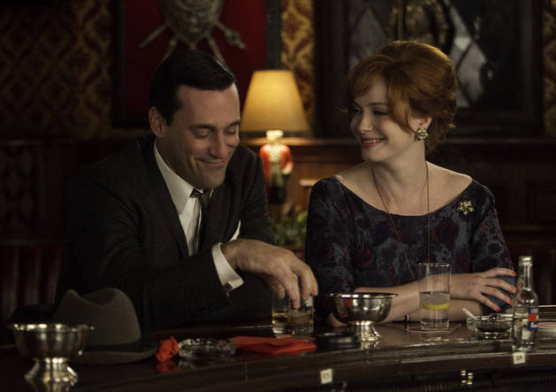 "Christina Hendricks Doesn't Want Kids, Does Want ""Tragic"" End For Mad Men's Joan"