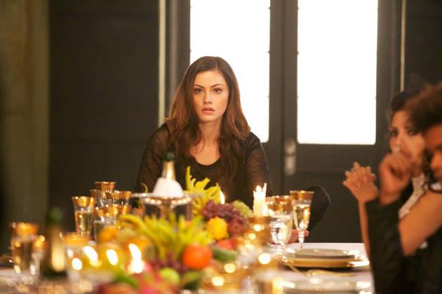 The Originals Spoilers: Phoebe Tonkin Talks Hayley's New Werewolf Family, Hybrid Baby (VIDEO)