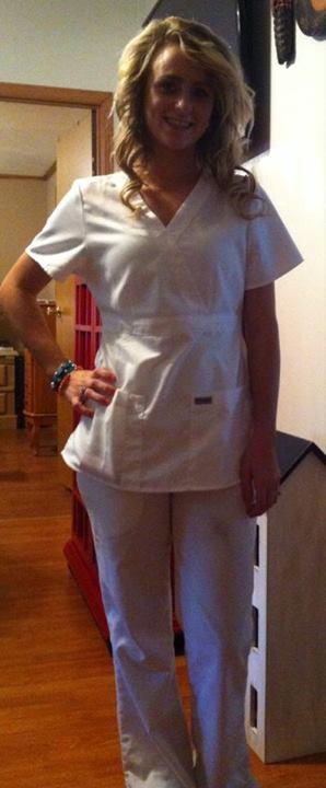 Leah Messer Starts Beauty School — See Her Work Scrubs!