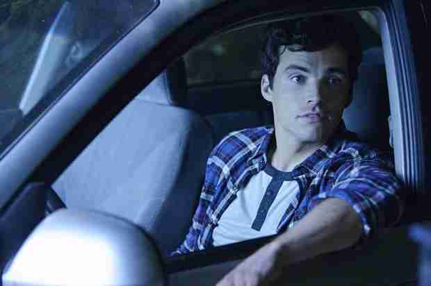 "Pretty Little Liars Crazy Fan Theory: ""A"" Isn't the One Who Shot Ezra"