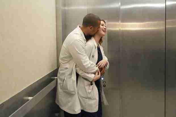 Grey's Anatomy Season 10, Episode 23 Sneak Peek: April Hides Her Pregnancy (VIDEO)