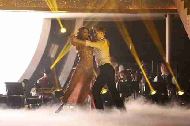 Dancing With the Stars 2014: Amy Purdy and Derek Hough's Week 8 Argentine Tango (VIDEO)
