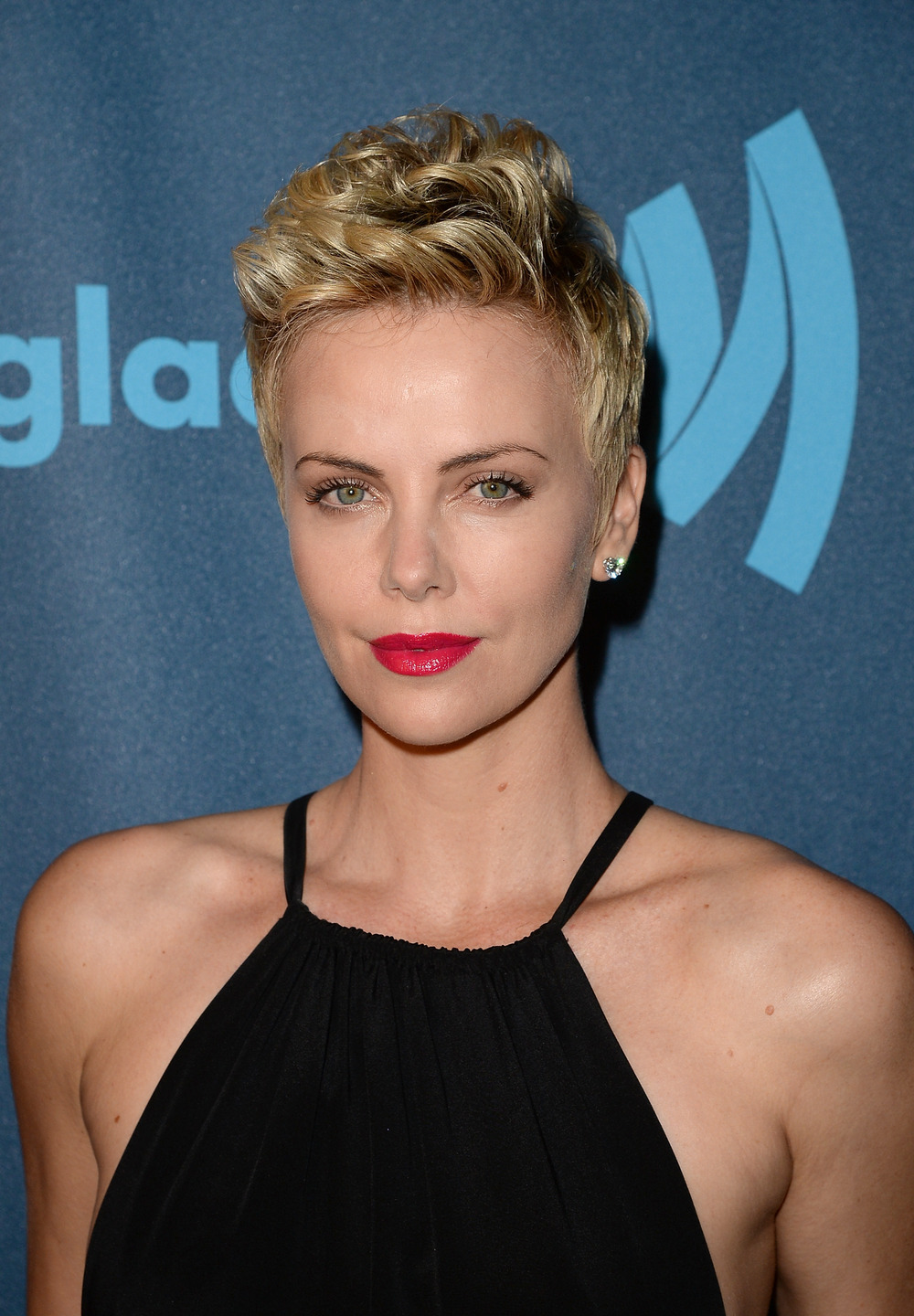 "Charlize Theron is Happily Unwed — ""If You Just Let it Happen, It Will Happen"""