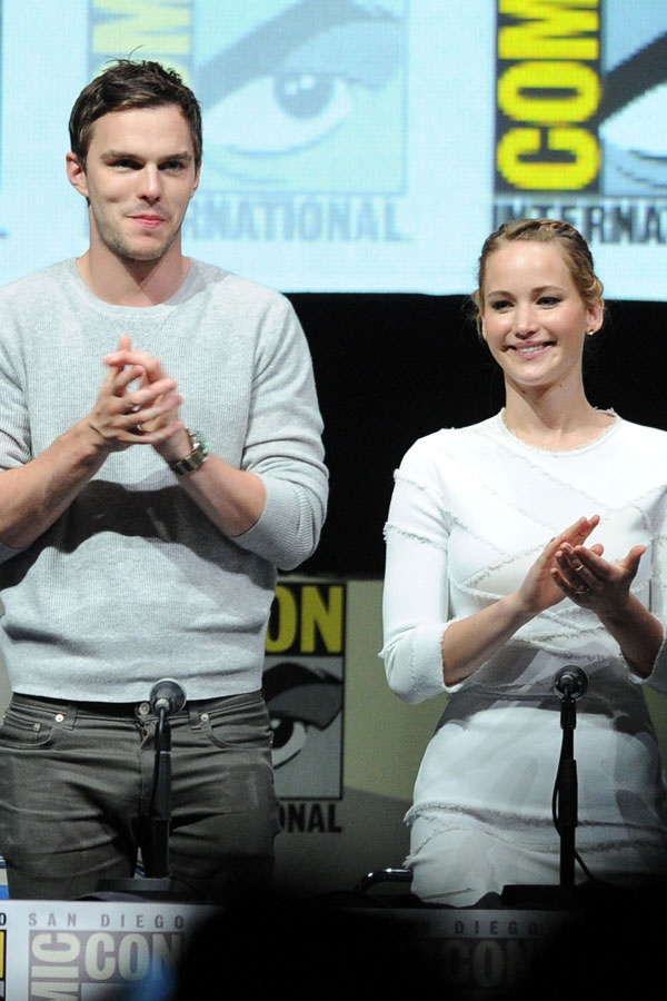 """Jennifer Lawrence: Nicholas Hoult and I """"Mutually Ignore Each Other"""" (VIDEO)"""