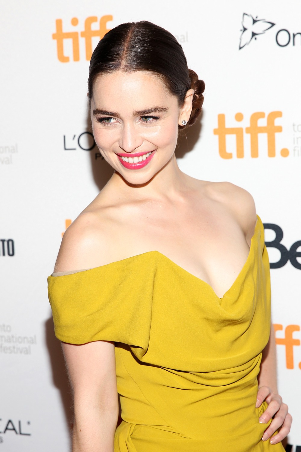 Emilia Clarke to Star in Bonnie and Clyde Movie With Nicholas Hoult!