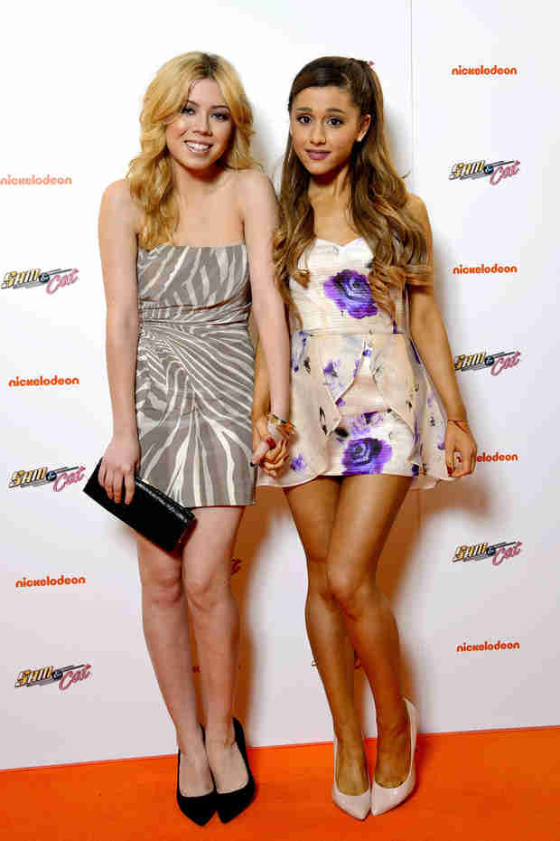 """Ariana Grande on Jennette McCurdy's Sexy Selfies: """"It Was Hot, Who Cares?"""" (VIDEO)"""