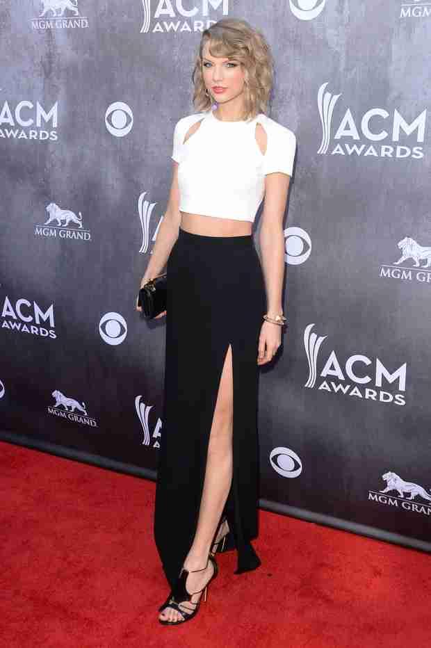 Taylor Swift Cancels Thailand Concert Amid Political Unrest