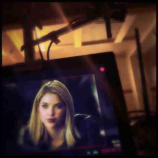 "Pretty Little Liars Season 5, Episode 7 Sneak Peek: Ashley Benson ""Lights Up the Screen"""