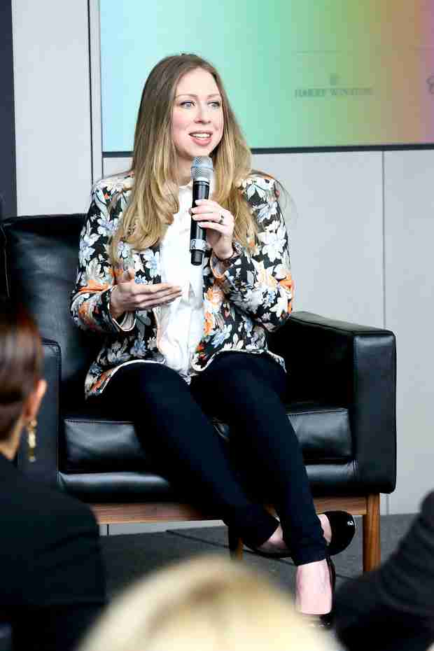 "Pregnant Chelsea Clinton Finds It ""Very Hard to Believe"" She'll Have Republican Kids"