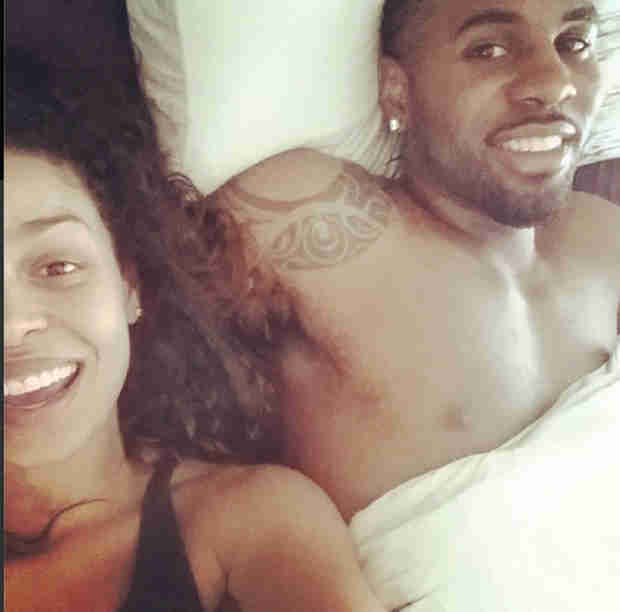 Jordin Sparks and Jason Derulo Share Cute Selfie in Bed (VIDEO)