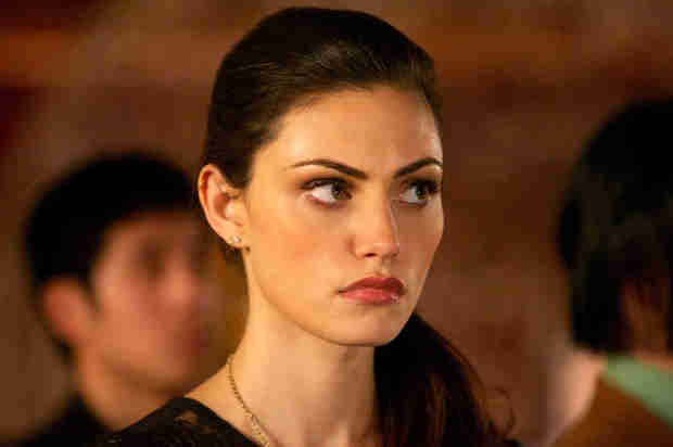 The Originals Season 2 Spoiler: How Will Hayley Deal With Being a Hybrid?