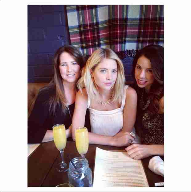Ashley Benson Brunches With Mom and Sister For Mother's Day — Benson Family Photo!