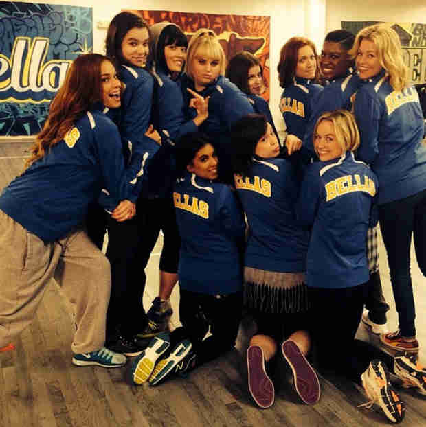 Pitch Perfect 2 Cast on Set — See What They're Wearing! (VIDEO)