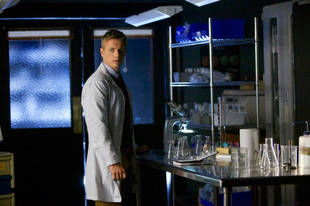 "Rick Cosnett Dishes About Playing ""Ignorant"" Dr. Wes on The Vampire Diaries"