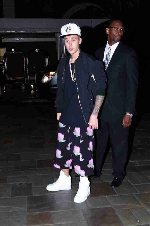 Justin Bieber Sports a New Look — What Is He Wearing Now? (PHOTO)