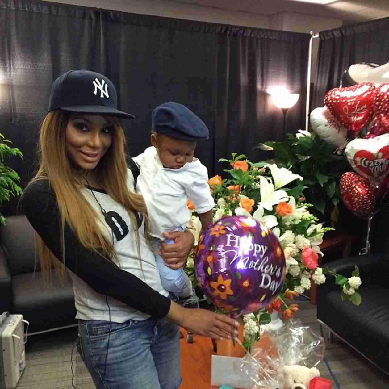 Tamar Braxton Celebrates First Mother's Day With Son and Husband at Concert (VIDEO)