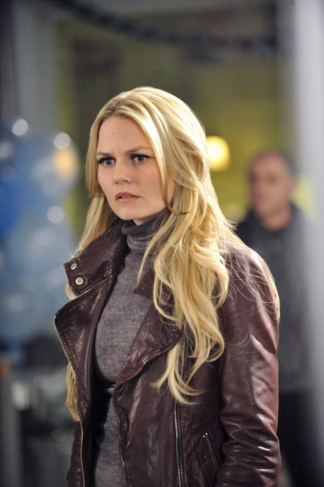 Once Upon a Time Season 3 Sneak Peek: Emma and Hook Go to a Wedding (VIDEO)