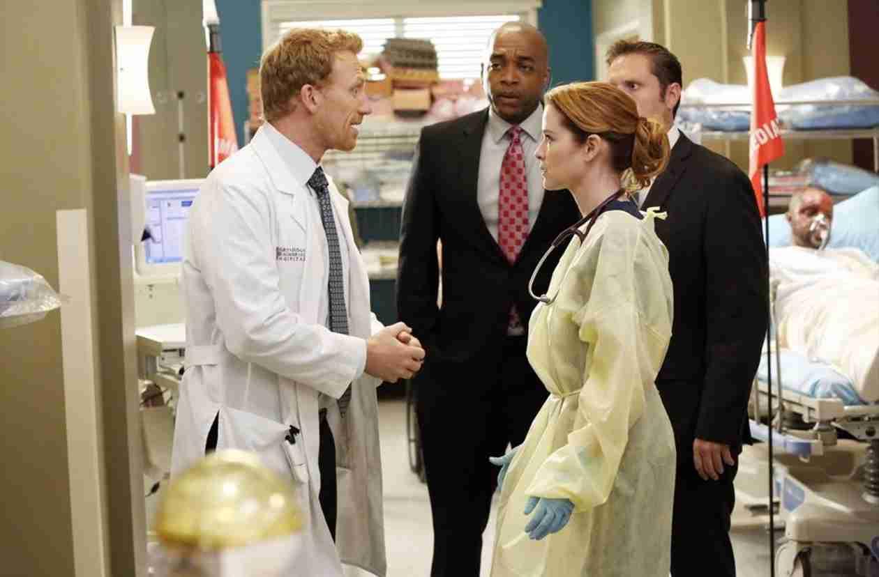 Grey's Anatomy Season 10, Episode 24 Sneak Peek: Finale Disaster Is a Mall Explosion (VIDEO)