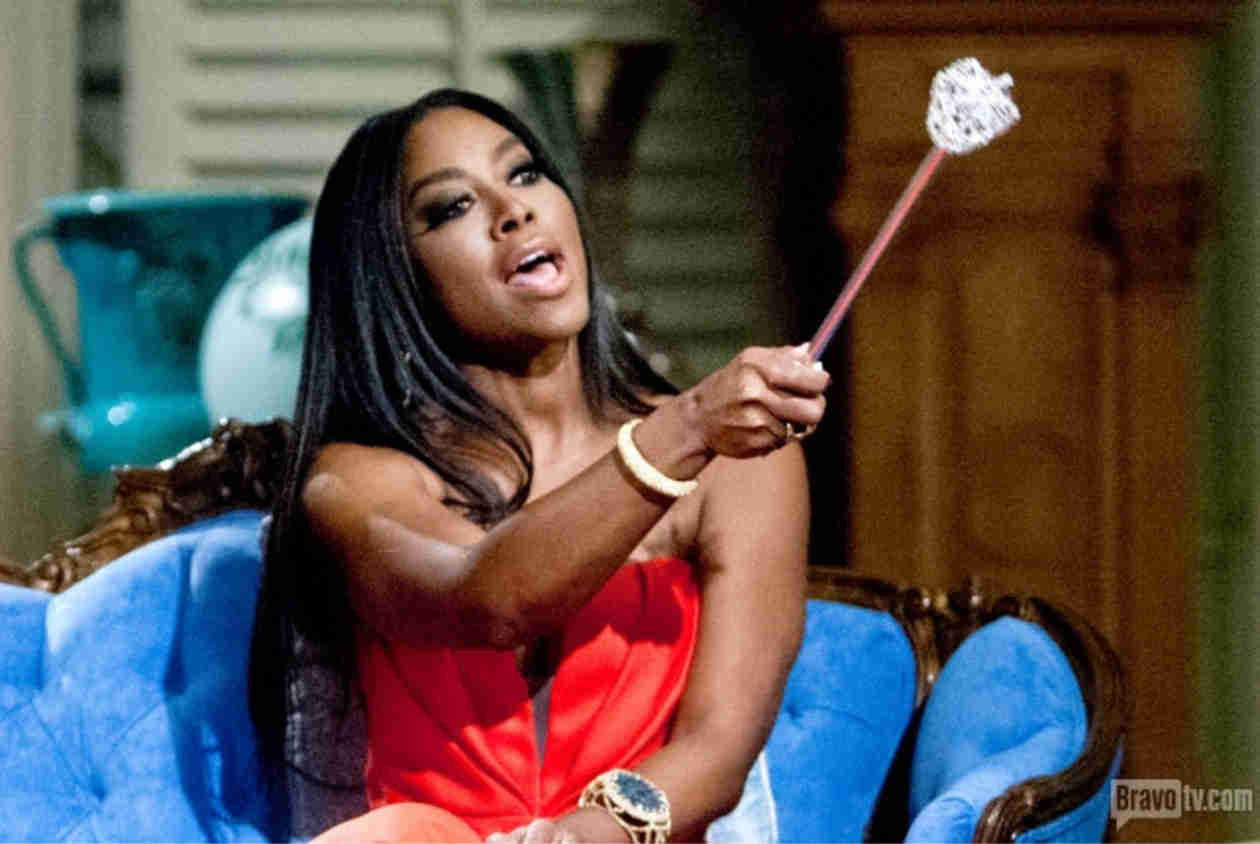 """Kenya Moore Threatens to Go """"Crazy"""" on Someone Who's """"Messing With Her Family"""""""
