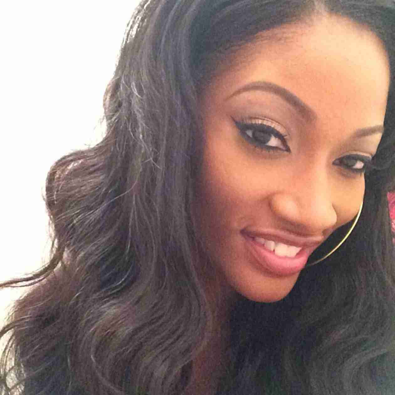 Erica Dixon Gives Her Natural Hair Special Treatment (PHOTO)