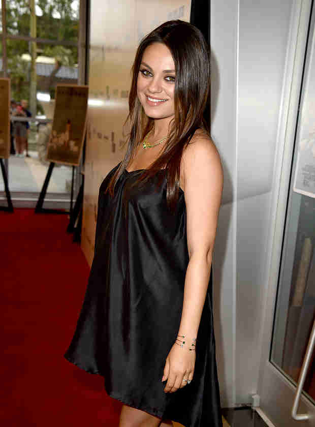 """Pregnant Mila Kunis Wants Men to Stop Saying """"We're Pregnant"""" (VIDEO)"""