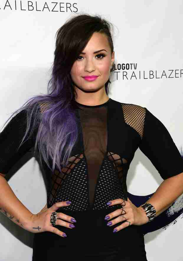 Demi Lovato Honors Her Gay Grandfather At Logo TV's Trailblazers Special (VIDEO)