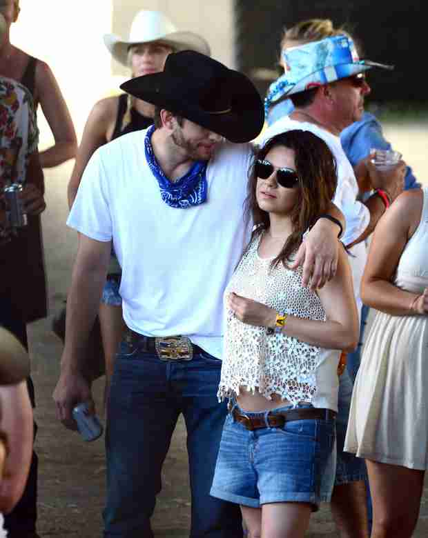 Ashton Kutcher and Mila Kunis Took a Babymoon! — Where Did They Go? (VIDEO)