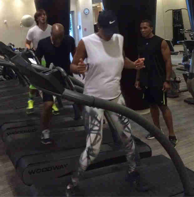 Pregnant Kelly Rowland Shows Baby Bump During Gym Workout (PHOTOS)