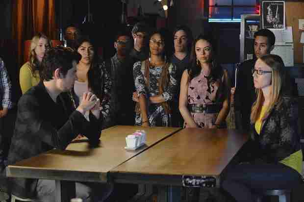 Pretty Little Liars 100th Episode — 10 Things We Learn From the Spoiler Photos