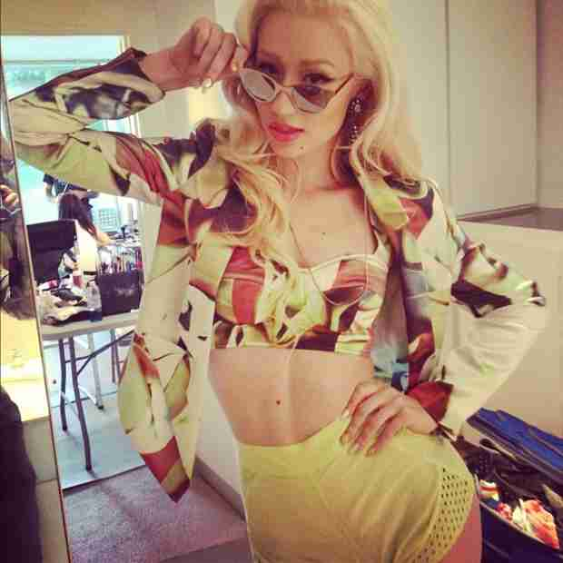 "Iggy Azalea Slams Bullies on Twitter: ""Most of You Have Done NOTHING"" (VIDEO)"