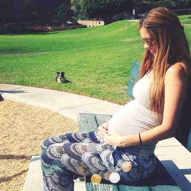 """Pregnant Lydia McLaughlin Reaches Halfway Mark: """"He Is Kicking A Lot"""" (PHOTO)"""