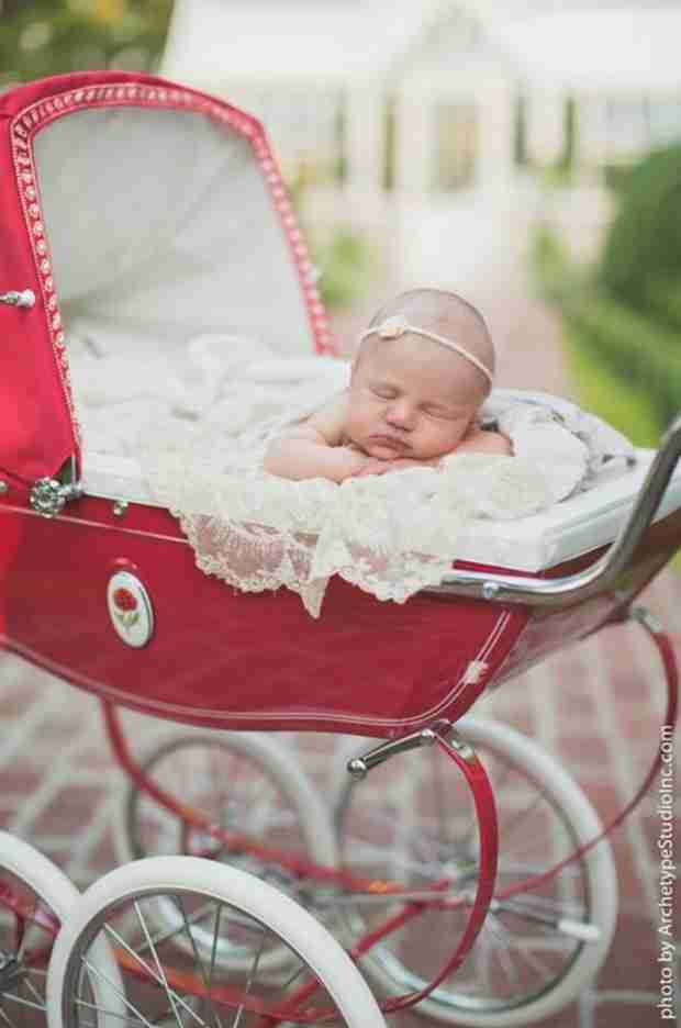 Kelly Clarkson Shares First Picture of Daughter River Rose (PHOTO)