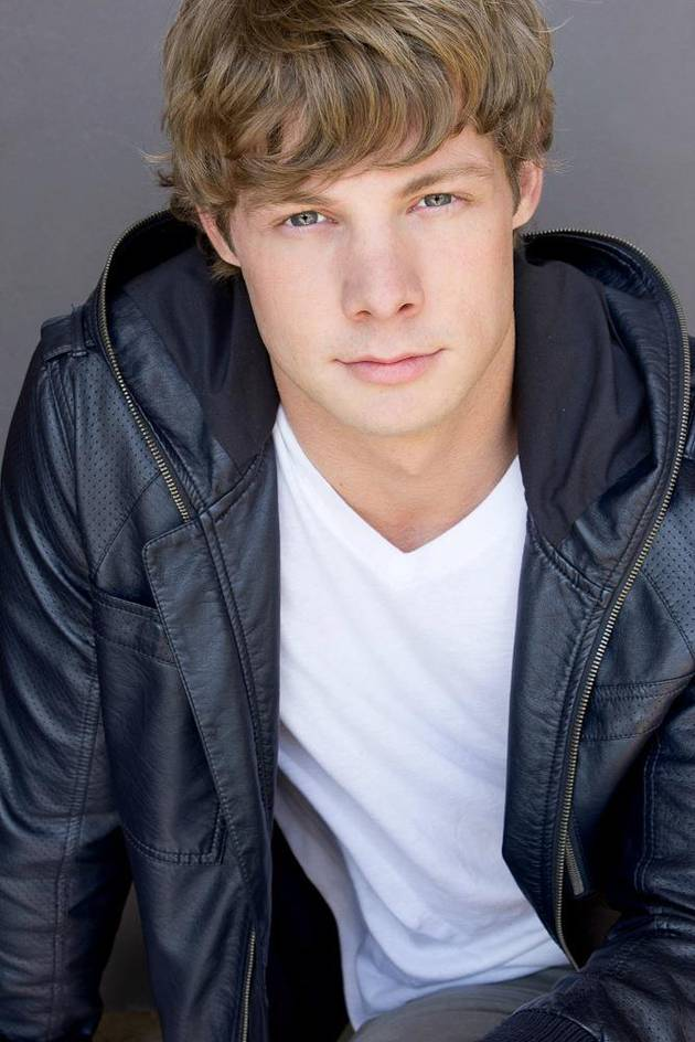 """Is Andrew """"A"""" on Pretty Little Liars? 3 Clues That He Might Be"""