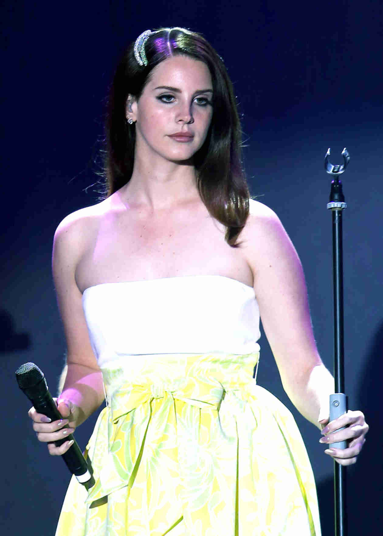 """Kurt Cobain's Daughter Calls Out Lana Del Rey For """"I Wish I Was Dead"""" Comments"""