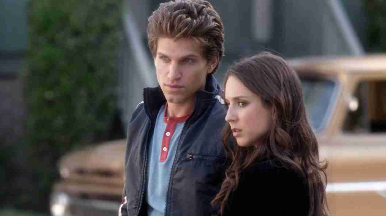 """Pretty Little Liars Season 5: Spencer and Toby Are """"Solid,"""" Says Keegan Allen"""