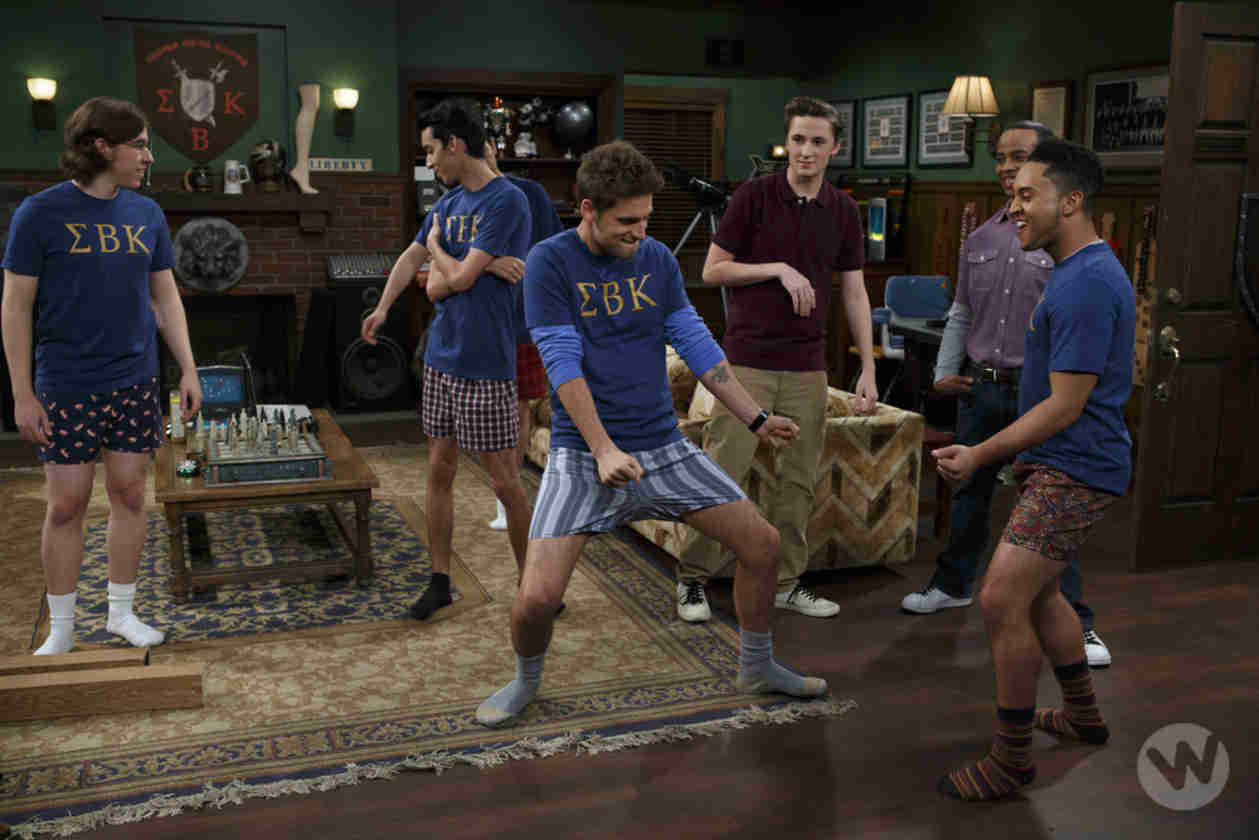 Baby Daddy Exclusive First Look — Ben and Tucker Get Down to Risky Business (PHOTO)