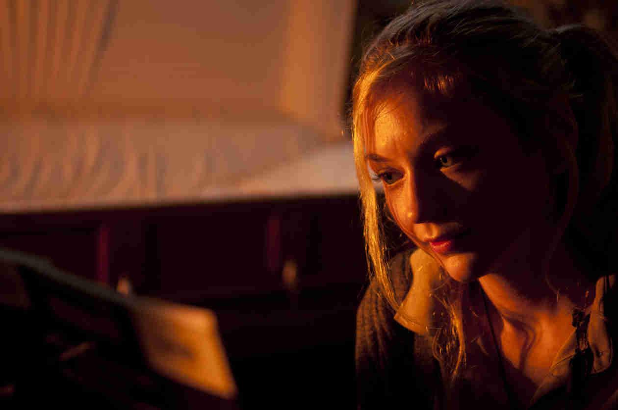 "The Walking Dead Season 5 Spoilers: Beth ""Kidnap"" Car Spotted on Set"