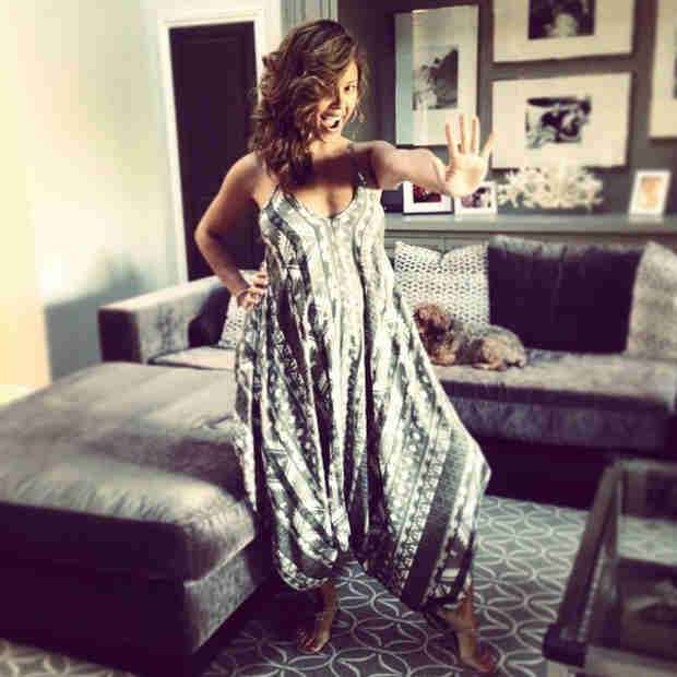 Vanessa Lachey Finally Shows Off Her Baby Bump! (PHOTO)