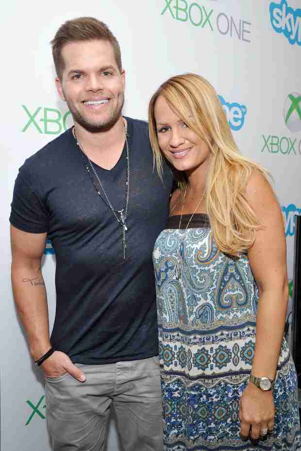 The Hunger Games: Mockingjay's Wes Chatham and Wife Welcome a Son! (UPDATE)