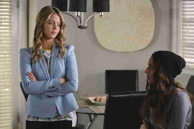 Pretty Little Liars Speculation: How Did Ali Get Her Scar?