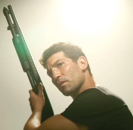 Robert Kirkman Prays The Walking Dead Makes It to Season 7, Defends Internet Spoilers