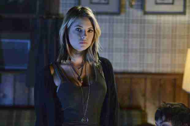 "Pretty Little Liars Season 5, Episode 9 Synopsis: Hanna Hits Rock Bottom in ""March of Crimes"""