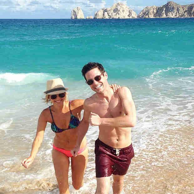 Ali Fedotowsky Flaunts Super Fit Bikini Body During Romantic Cabo Vacation (PHOTO)